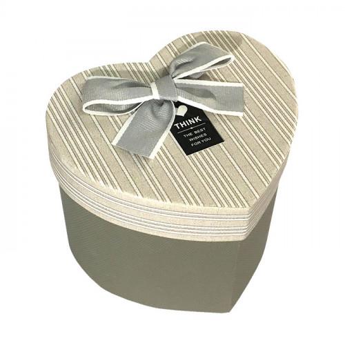 Коробка в форме сердца картонная серая
