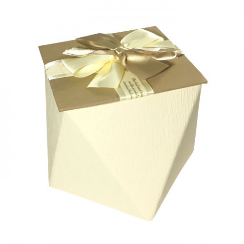 Коробка многогранная картонная подарочная
